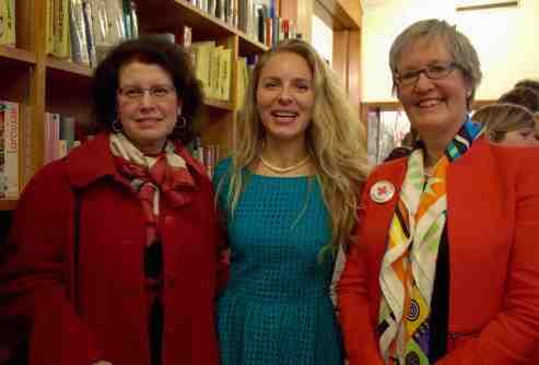 Anca Elena Opris, ambassadrice de Roumanie en Suisse, Alina Marin et Christine Métrailler, le Fil rouge de l'opération de sauvetage des orphelins roumains de Perisoru